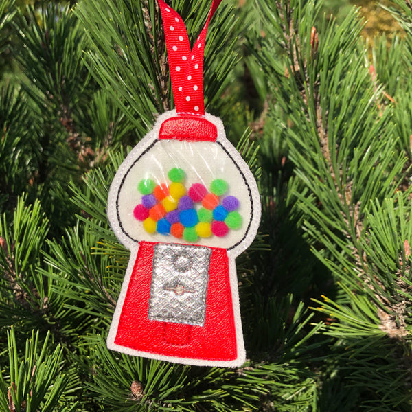 In the Hoop Gum Ball Machine Christmas Ornament or Gift Tag Embroidery Design, snugglepuppyapplique.com