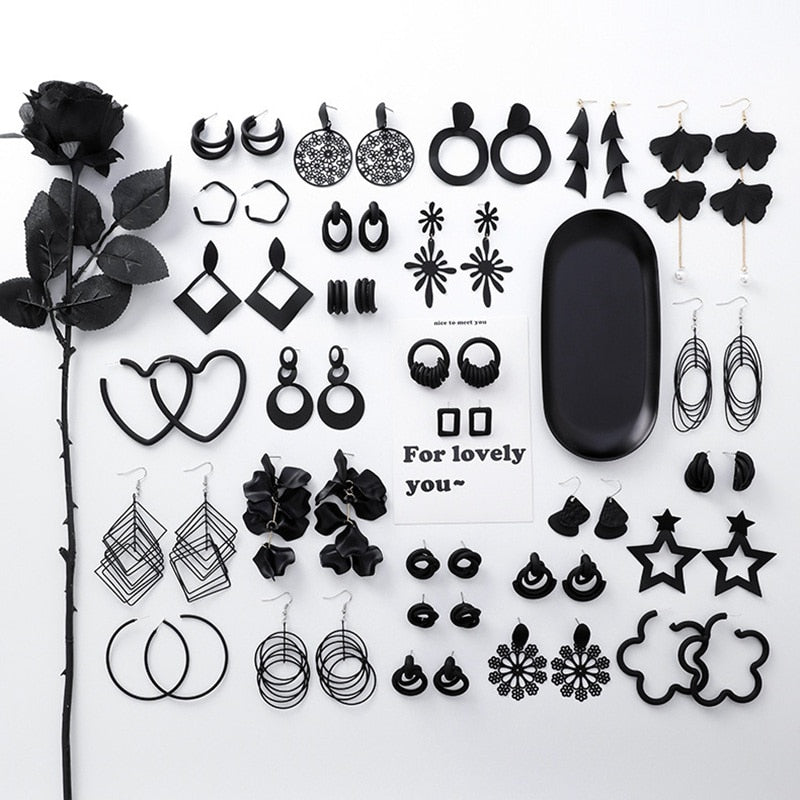 Black  Geometric Stud earrings