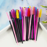 QSTY 50Pcs Eyelash Brushes Makeup Brushes Disposable