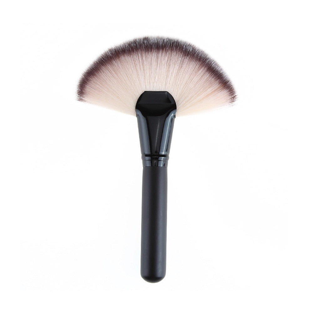 Fan Shape Powder Concealer  Brush