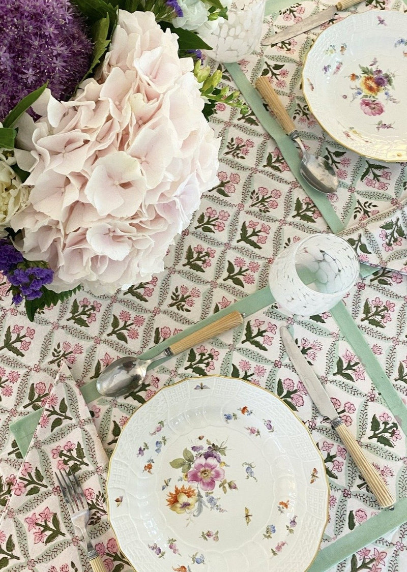 Petal Trelliage Tablecloth