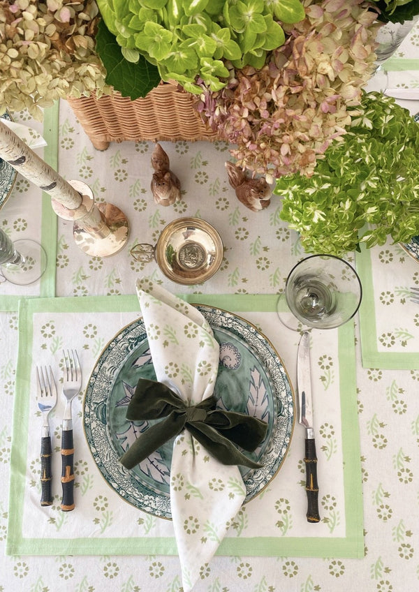 Celadon Gentle Flower Placemats - Set of 4 with Dinner Napkins