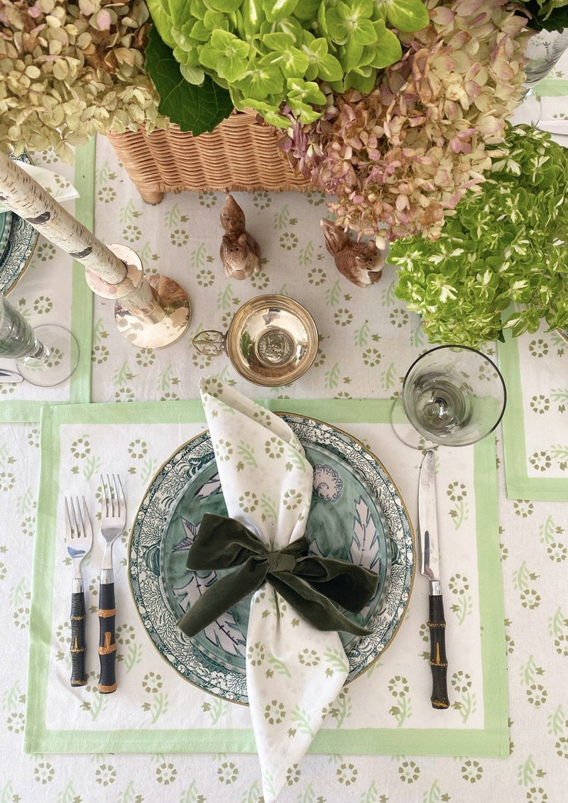 Celadon Gentle Flower Dinner Napkins