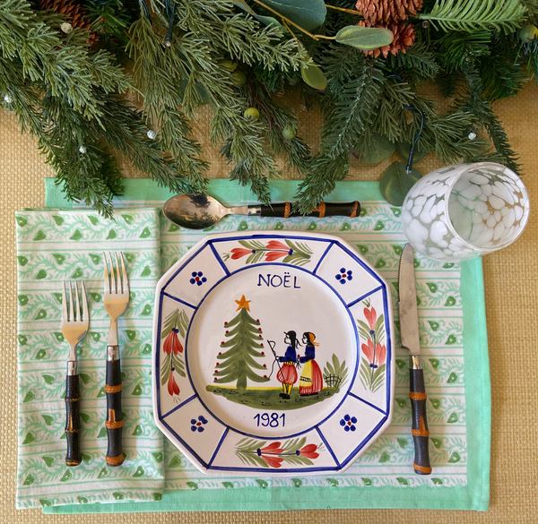 Spruce Candy Cane Placemats - Set of 4 with Dinner Napkins