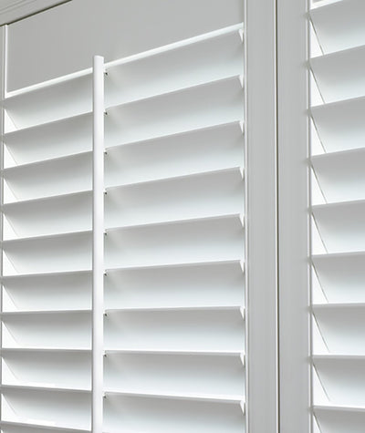 Hunter Douglas Palm Beach window blinds and treatmentsavailable at Standard Paint and Flooring in the Yakima Valley, Washington State and Oregon.