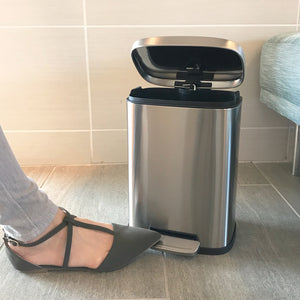 1.5 Gallon Stainless Steel Soft Step with Plastic Liner