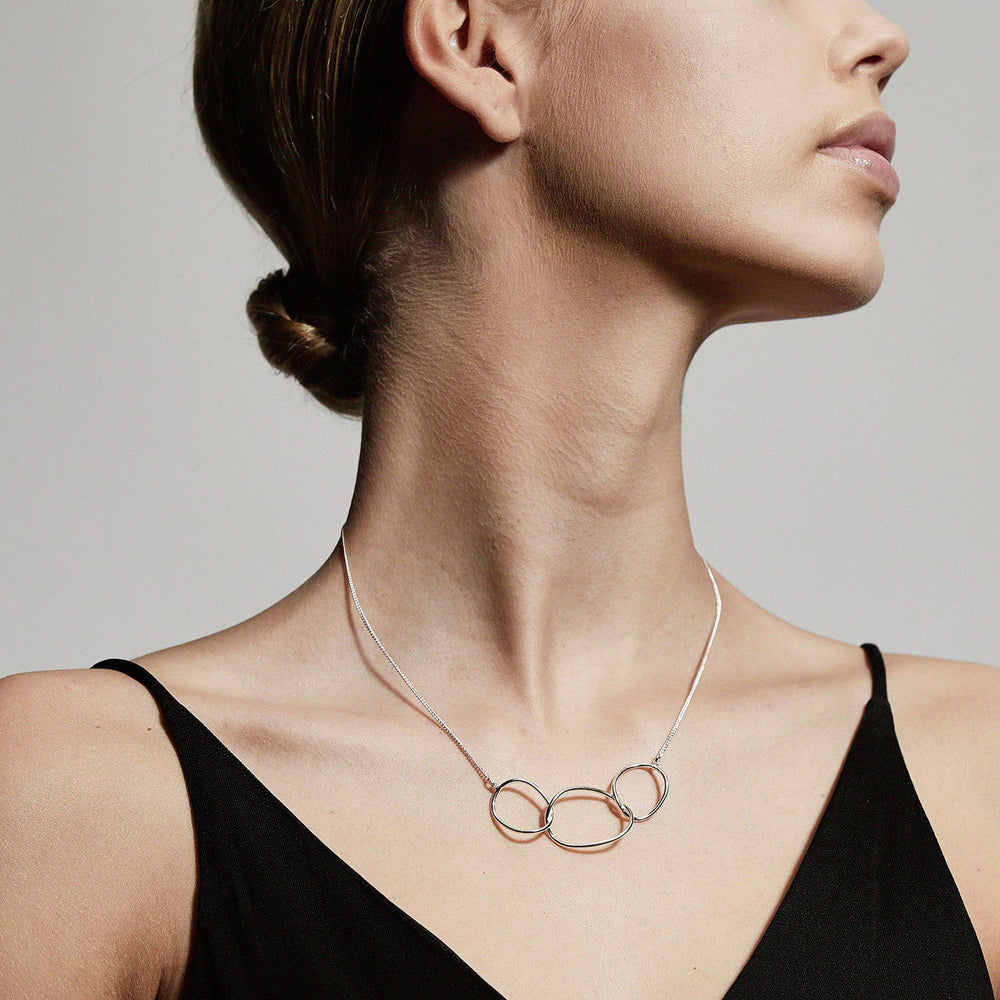 Load image into Gallery viewer, Nika 3 Circle Necklace