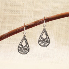 Load image into Gallery viewer, Oxidised Silver Filigree Earrings
