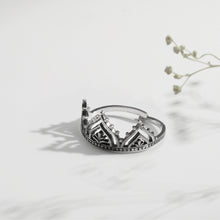 Load image into Gallery viewer, Oxidised Silver Queen's Crown Ring