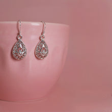 Load image into Gallery viewer, Silver Filigree Earrings