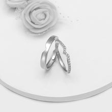 Load image into Gallery viewer, Silver Cupid Arrow Couple Bands