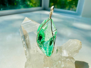 Andaras - Mint Andara Pendant with Sterling Silver Wrapping & Necklace<BR>薄荷綠色銀線包裹吊墜 - newearthstore