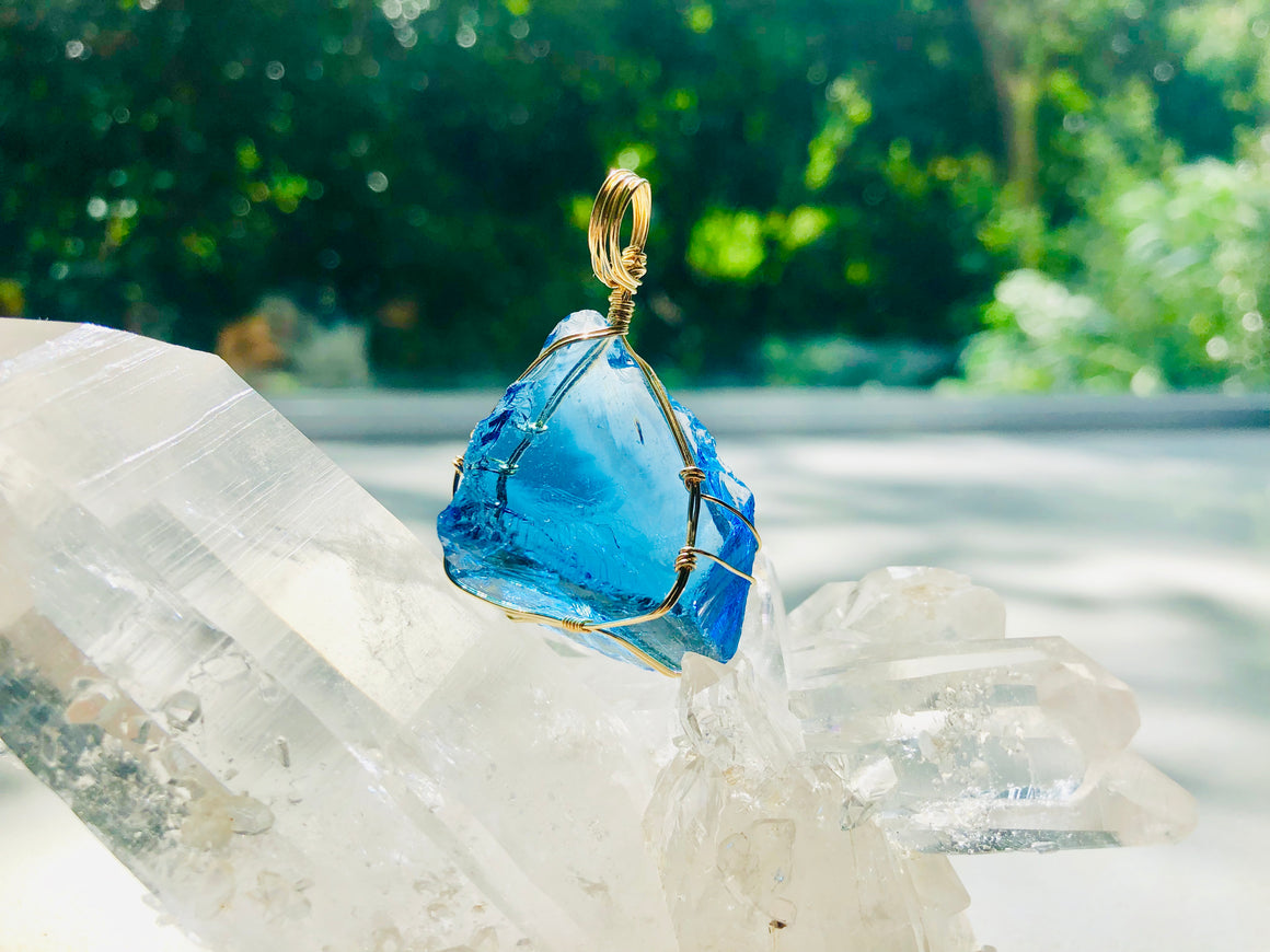 Andaras - Divine Sapphire Ray Pendant with Necklace <BR> 金色14 KGF 包裹藍寶石吊墜 - newearthstore