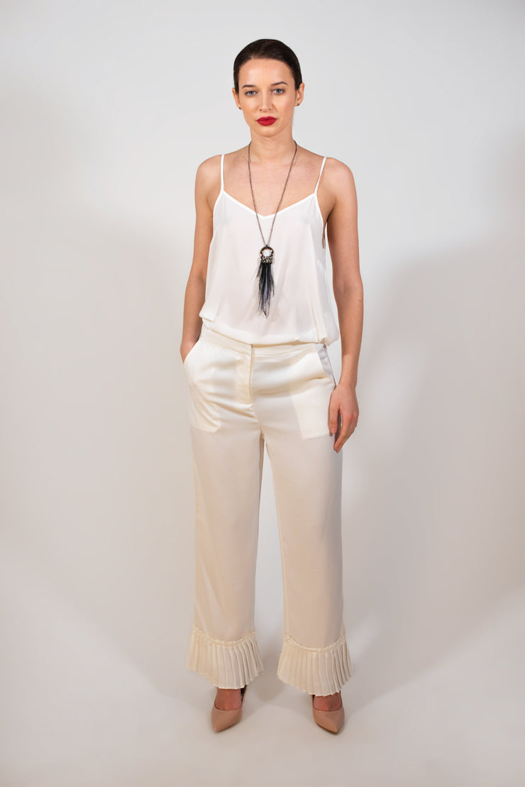 White trouser with pleated detail