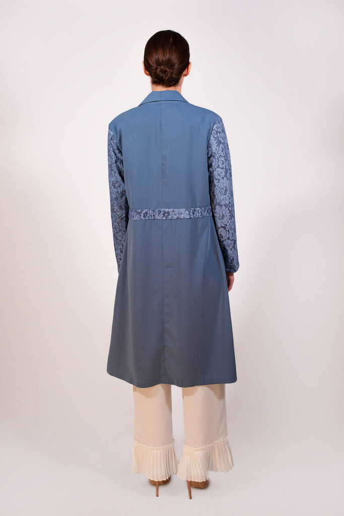 Long blue jacket with lace sleeves