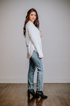 White Round Hem Long Sleeve Top