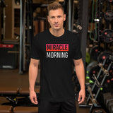 T-Shirt MIRACLE MORNING porté par un entrepreneur - Jetmindset
