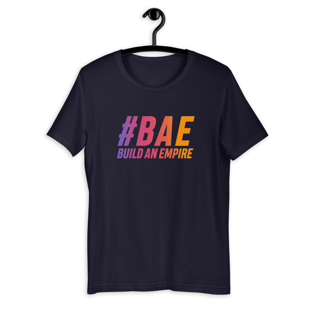 T-shirt Hashtag BAE / Build Your Empire sur cintre