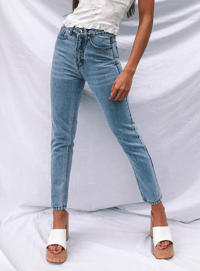 Gemini Mom Jeans Pale Blue