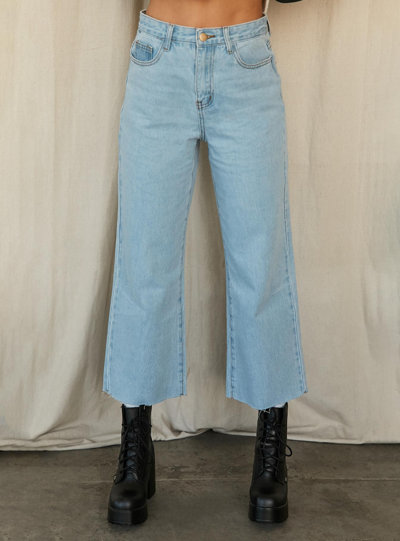 Ruby Cropped Jean Light Wash Denim