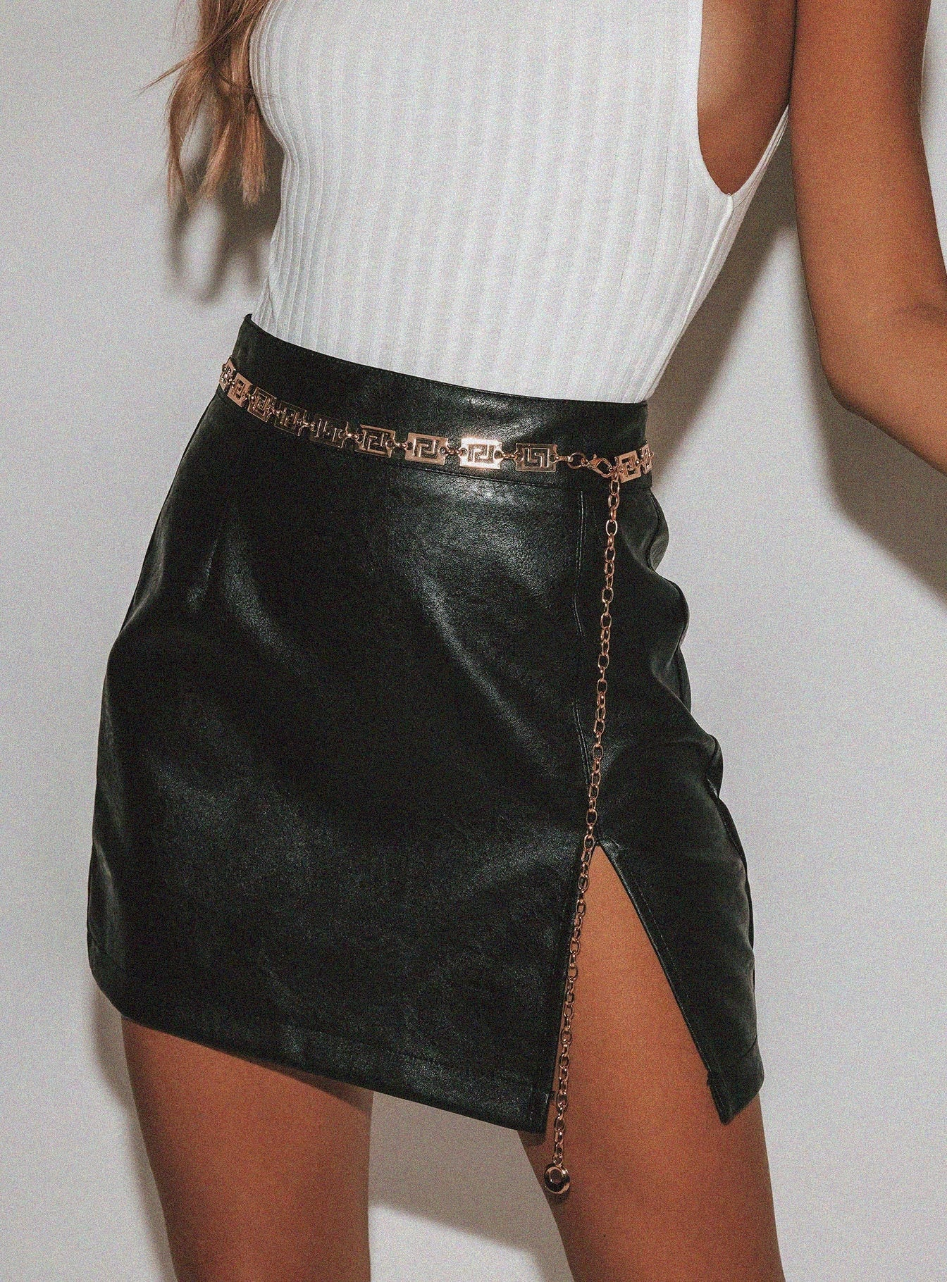 The Rizzo Mini Skirt Black