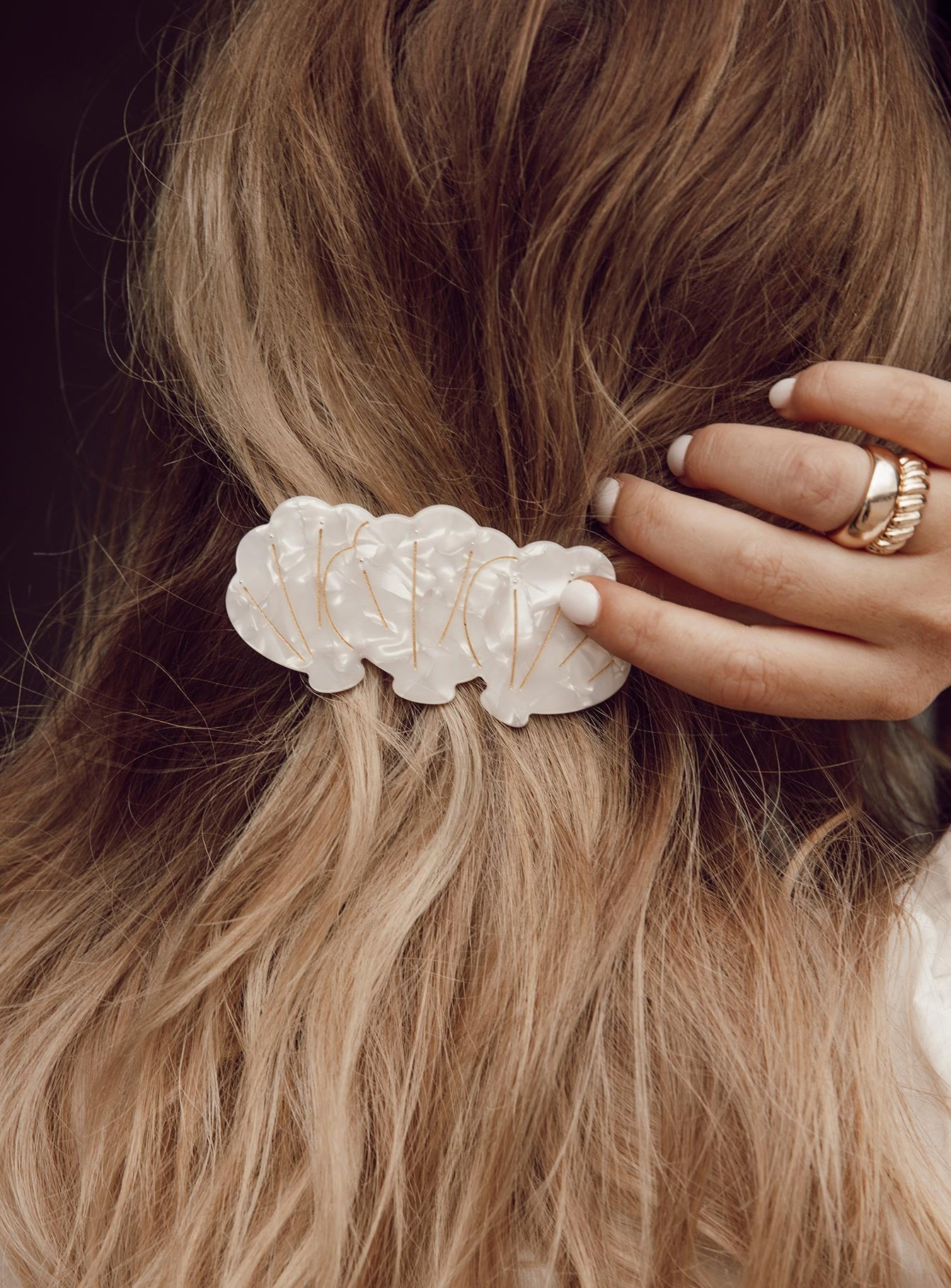 Shell Of Life Hair Clip Pearl by Princess Polly