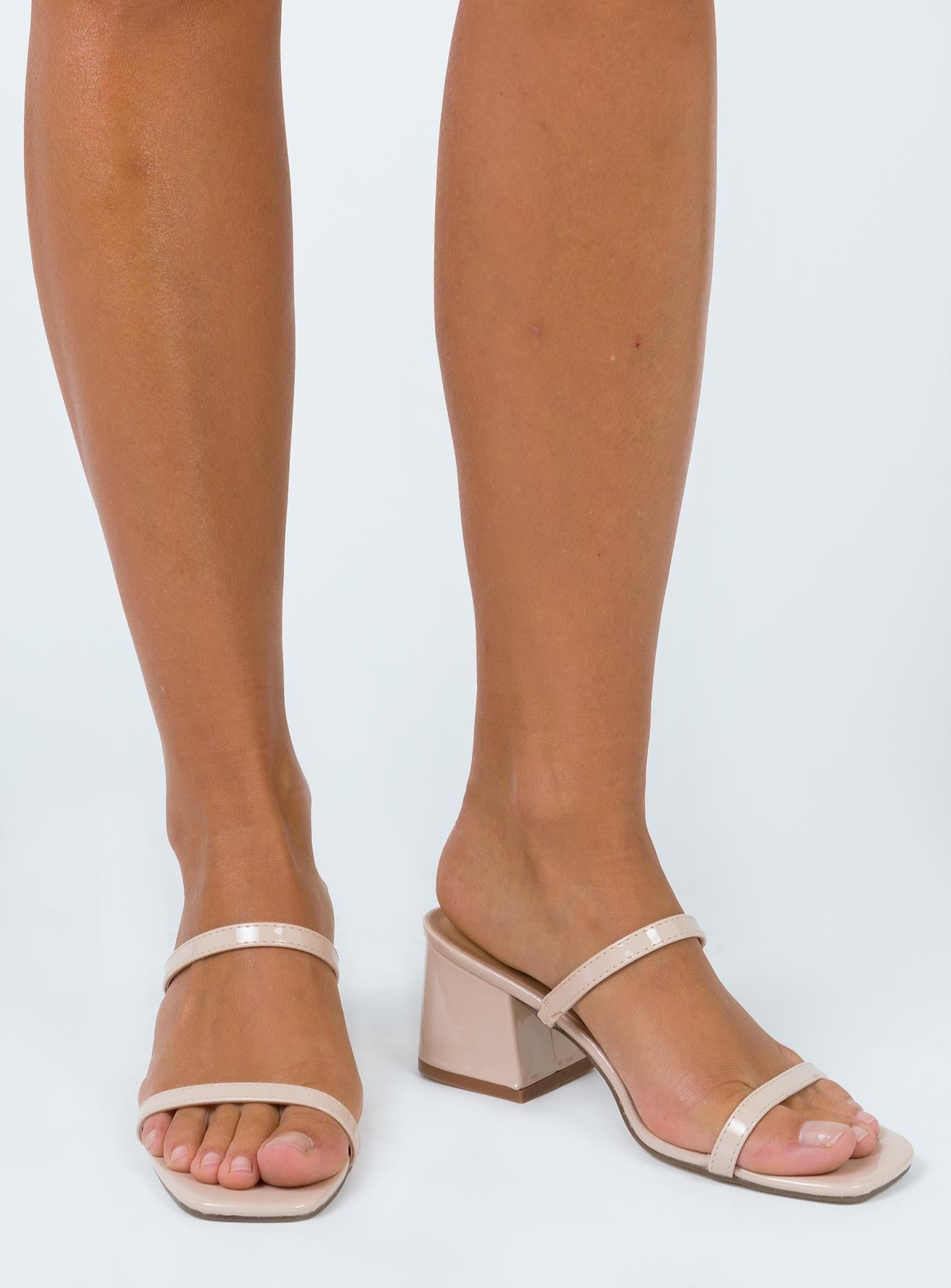 Therapy Goldie Heels Nude Patent