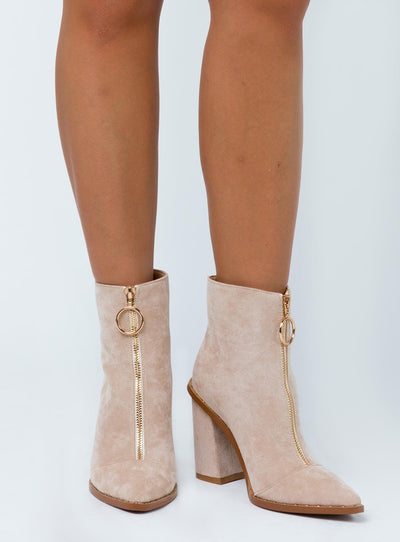 The Scorpio Boot Tan Suede
