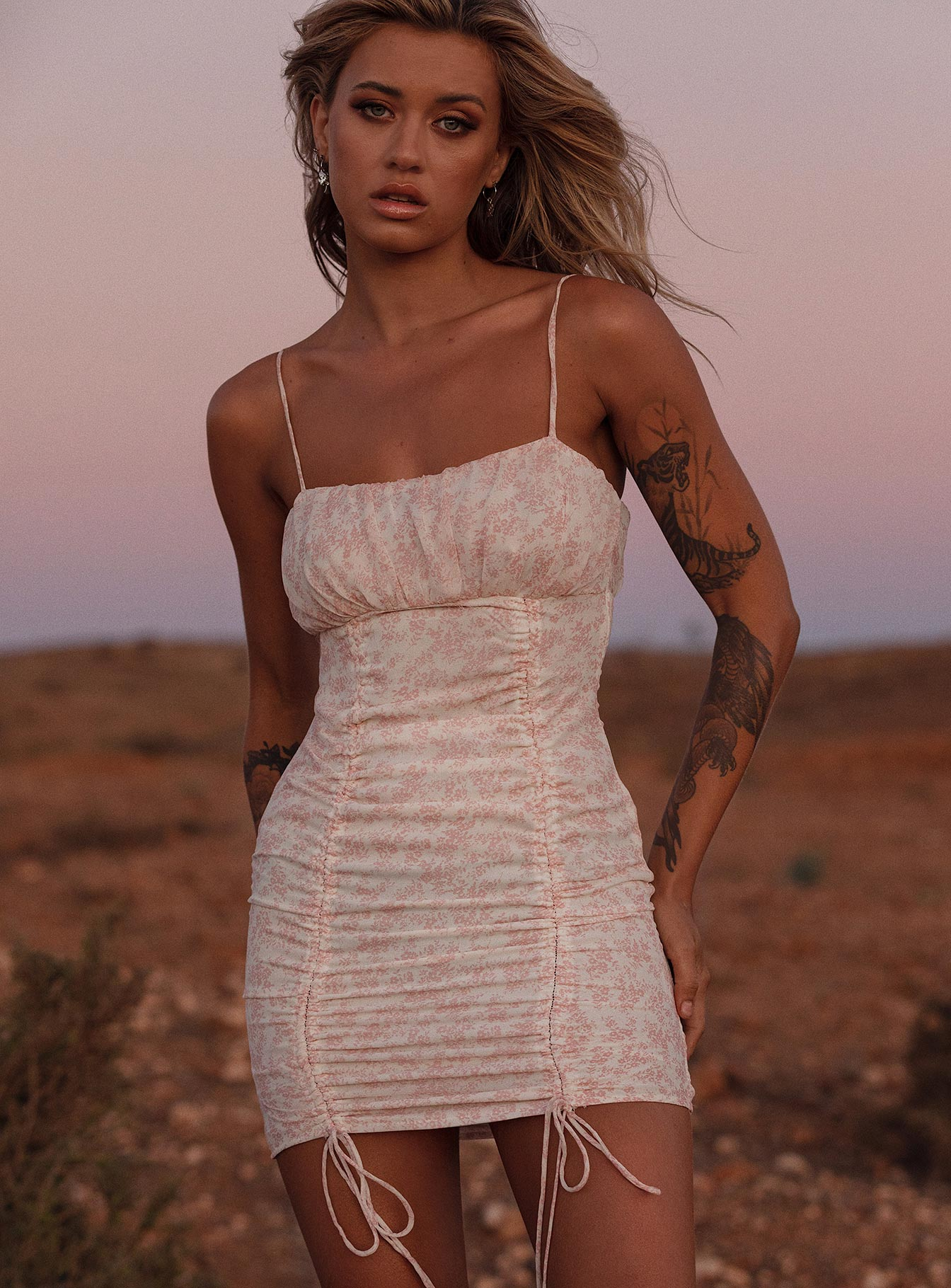 Ivy Hollow Mini Dress White/Pink