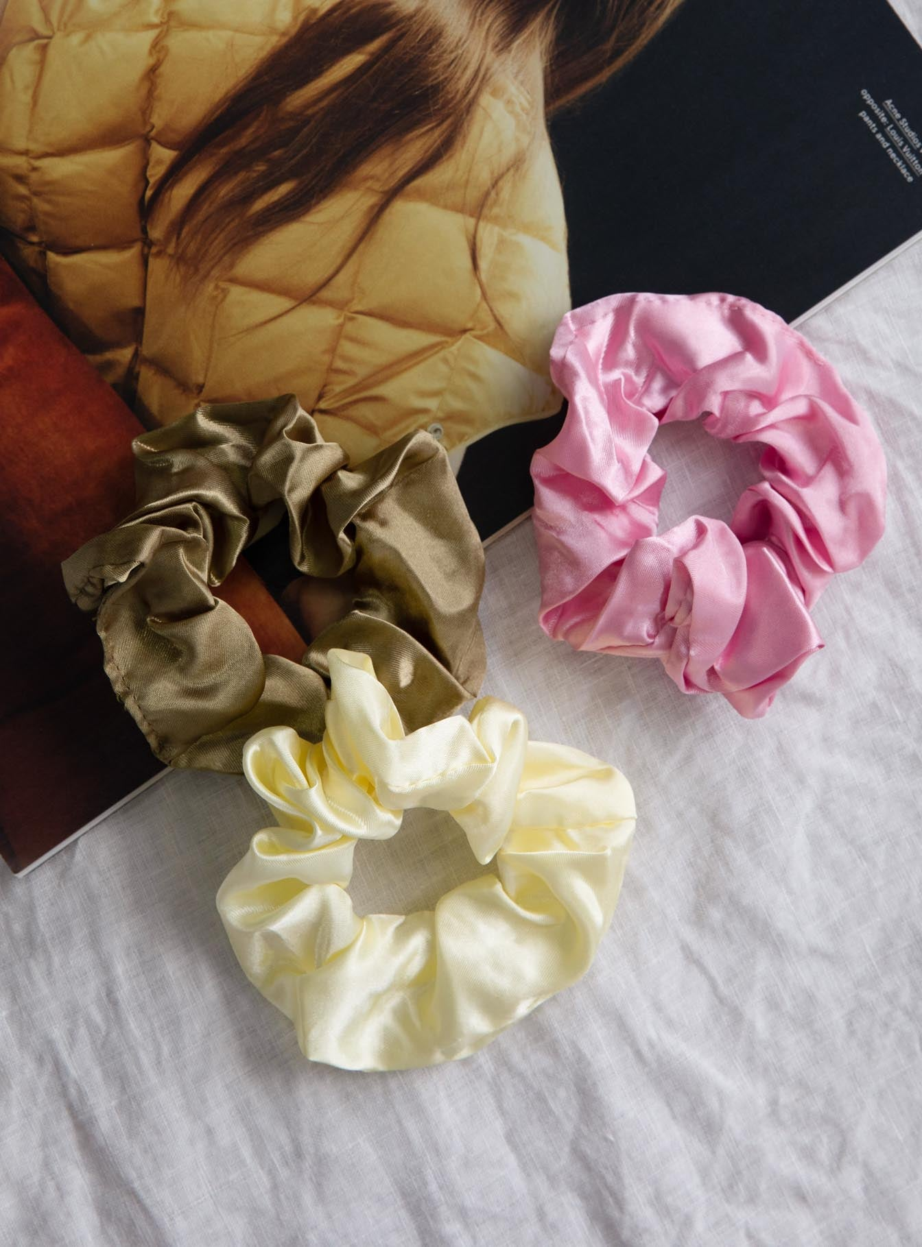 Bella Silky Scrunchie Set Pink / Olive / Cream