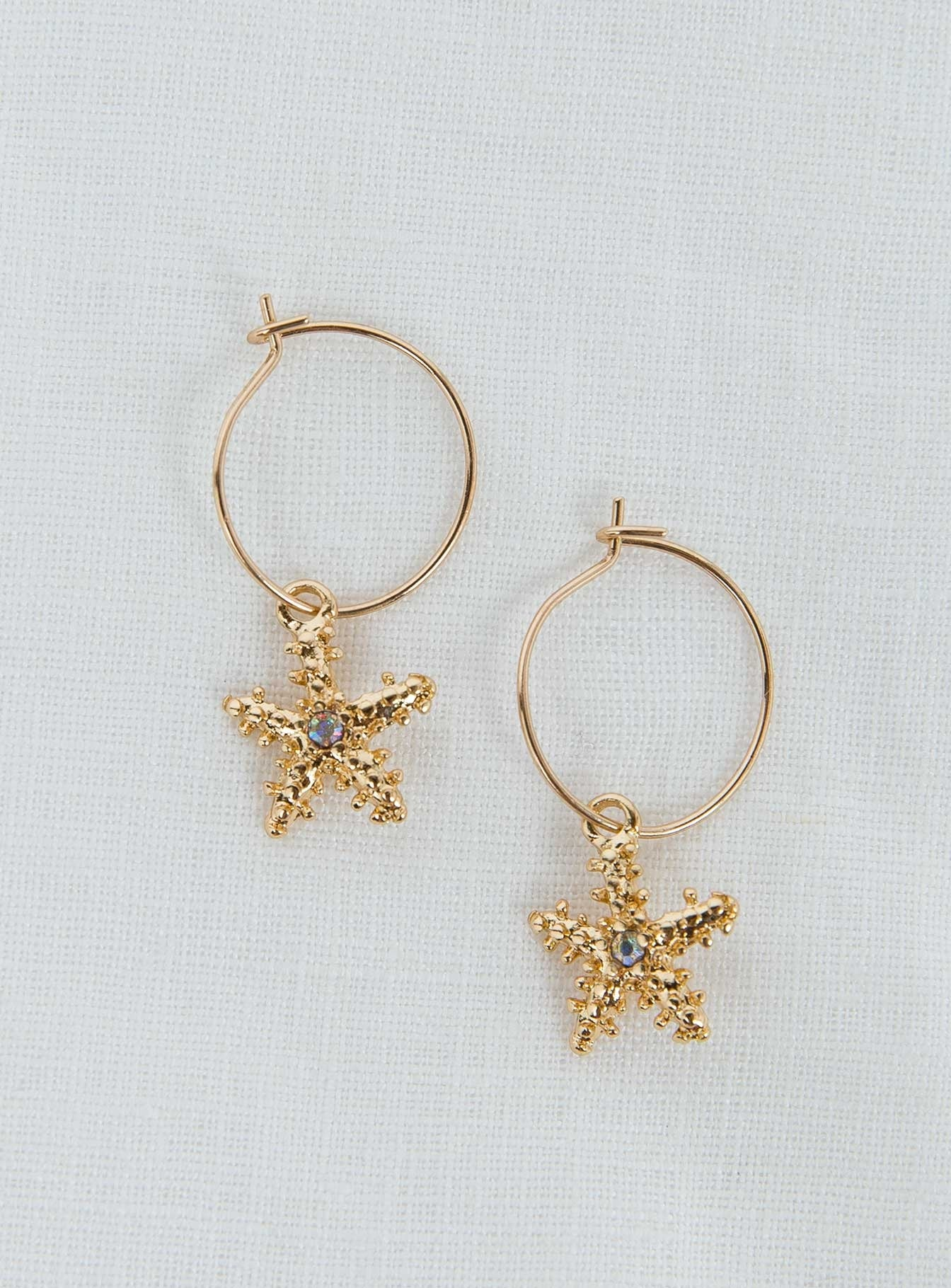 Dainty Starfish Earrings Gold