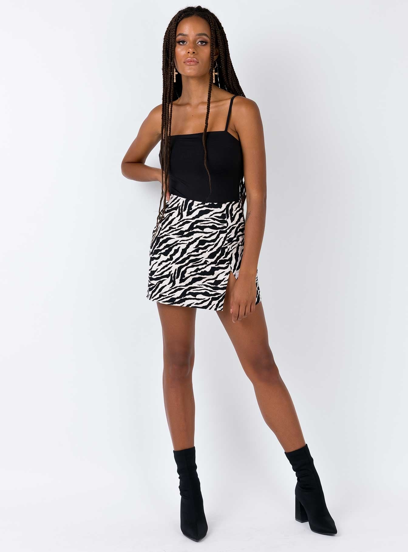 Motel Pelmet Skirt 90's Zebra Black & White