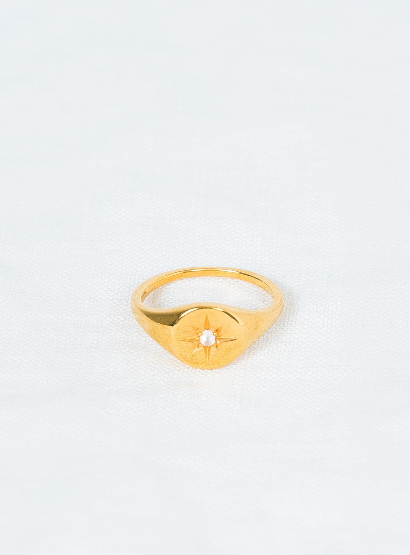 Midsummer Star Enchanted Light Moonstone Signet Ring Gold