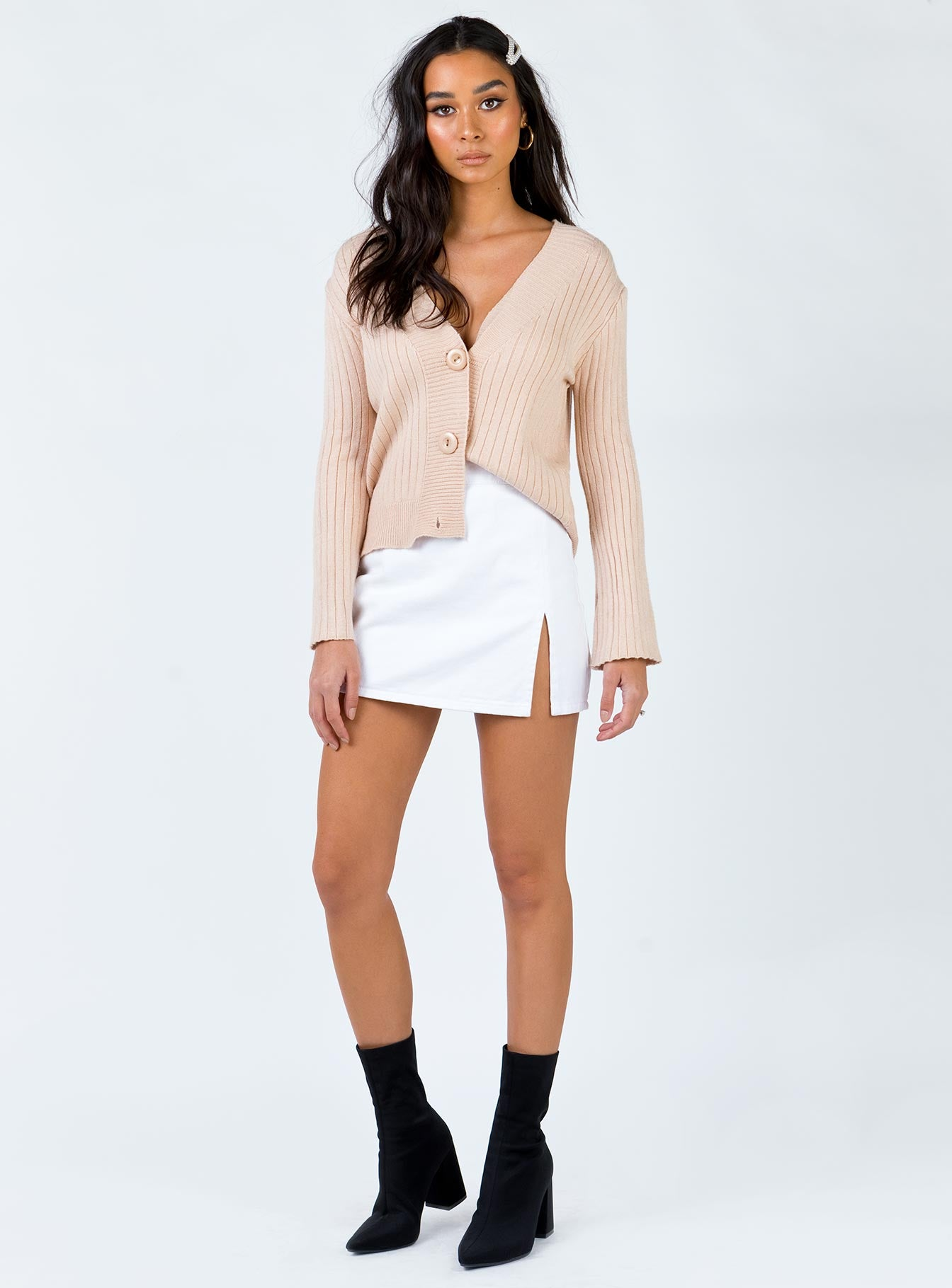The Barellan Cardigan Beige