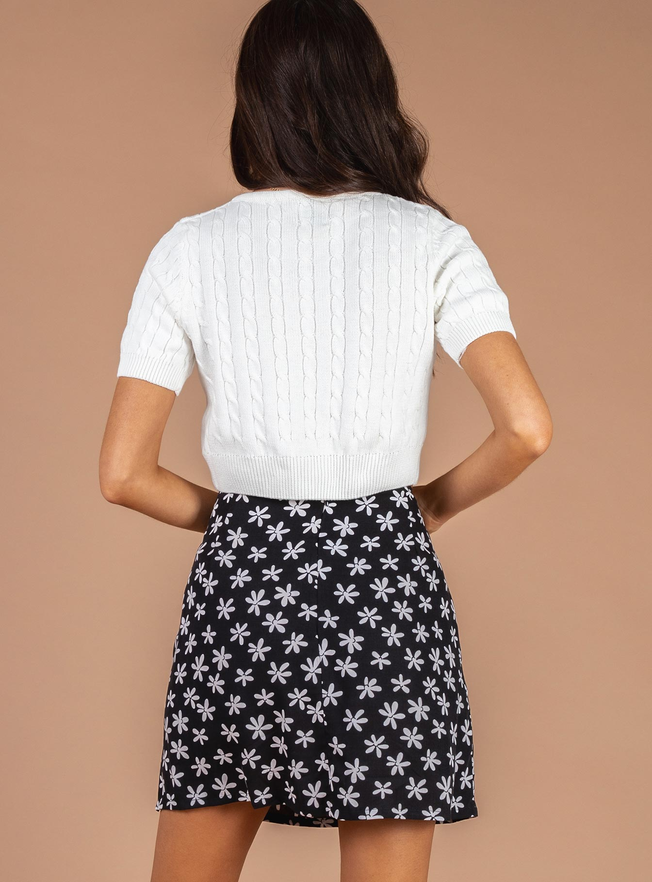 Motel Sheny Skirt 90's Daisy Black