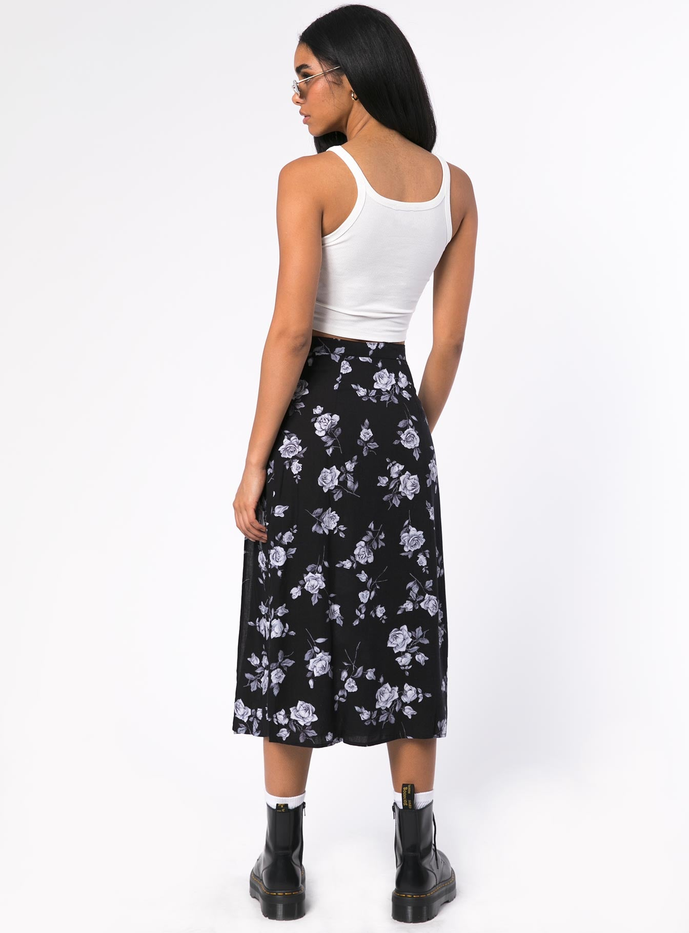 Motel Saika Midi Skirt Black / White Rose