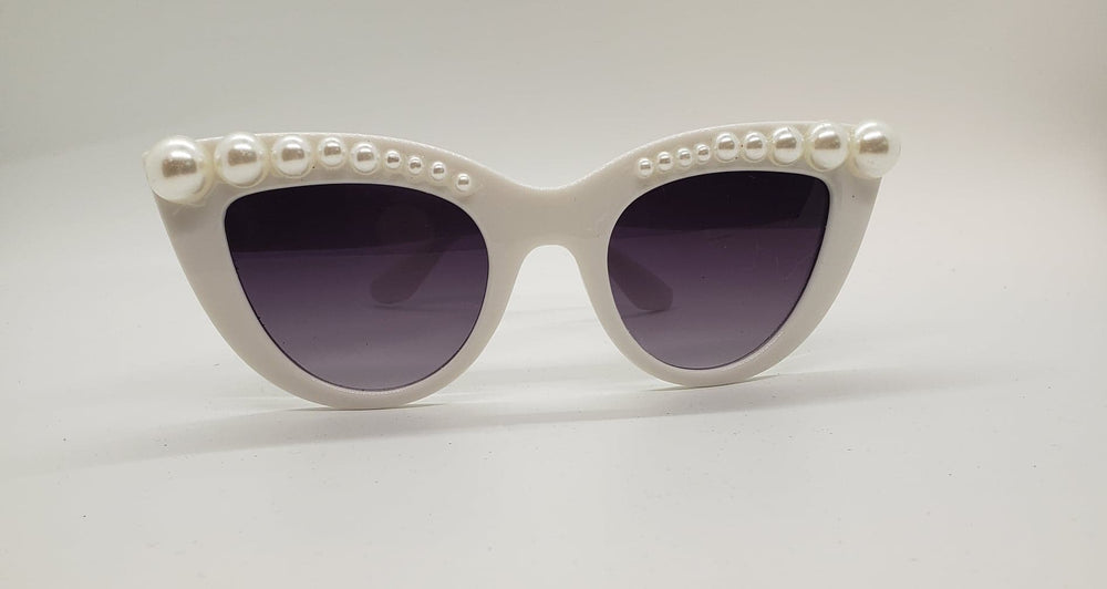 Vintage Retro Women Cat eye Sunglasses White Pearl Trim