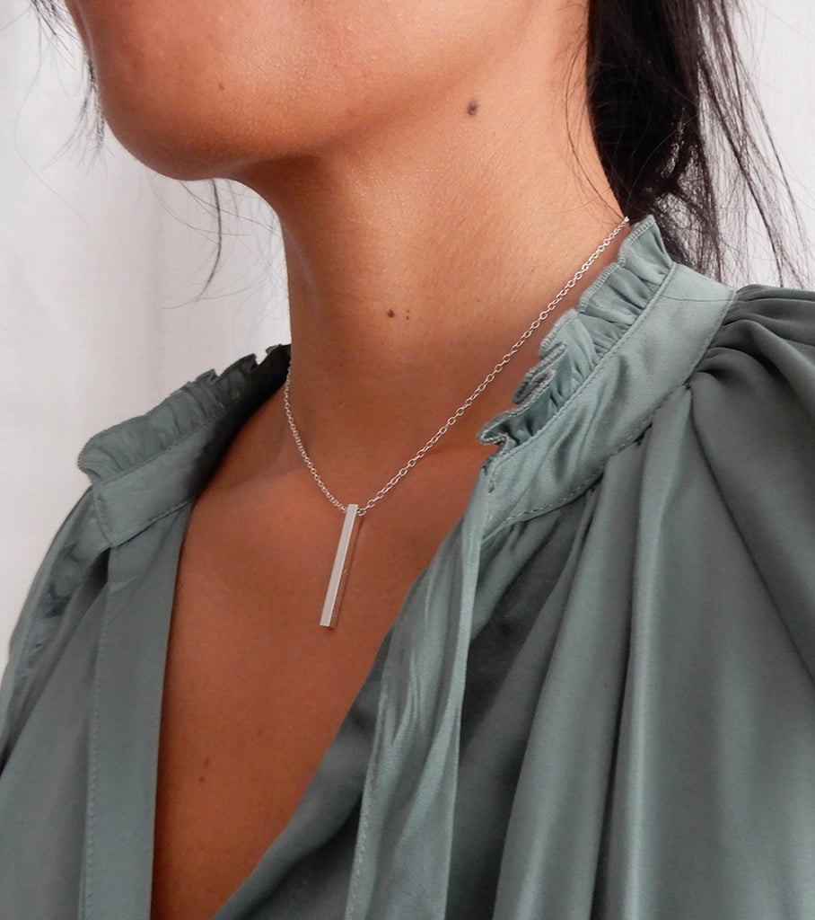 Necklace | The silver bar 3d