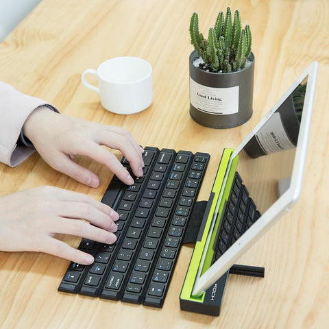 Image of Foldable Bluetooth Keyboard for Apple iPad/iPhone