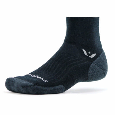 Swiftwick Pursuit Two Medium Socks Medium / Black