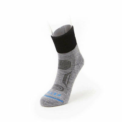 FITS Performance Trail Quarter Socks - Small / Light Grey