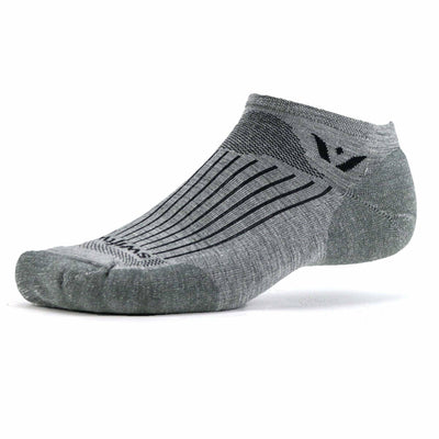 Swiftwick Pursuit Zero Medium Socks - Medium / Heather