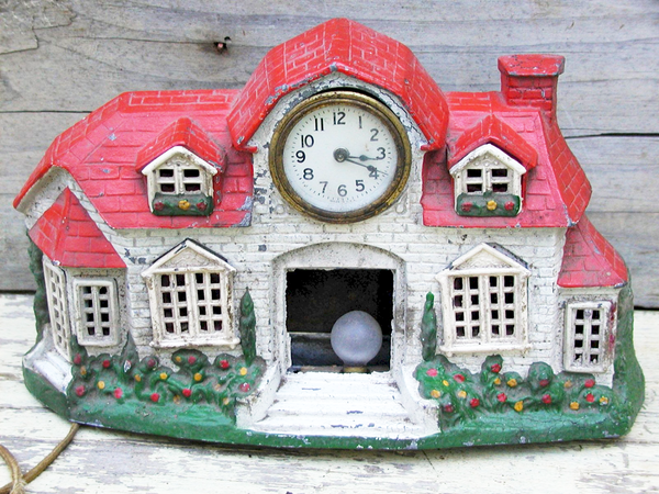 Vintage Cottage Clock - Chippy Paint - Hand Painted - Lamp - idugitup