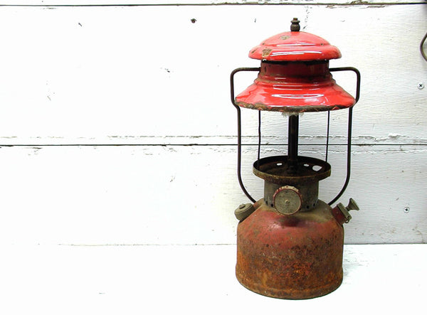 Vintage Red Coleman Lantern - Rustic Theme - Lamp Project - Lodge Decor - idugitup