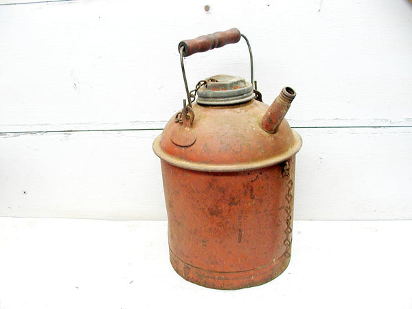 Vintage Eagle Gas Can - 1 Gallon Metal Gas Can - Gas Station Prop - idugitup