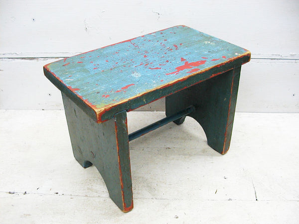 Vintage Childs Stool - Farmhouse Stool - Wooden Grade School - My Little Stool - idugitup