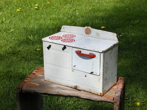 Vintage Tin Childs Stove - Tin Toy Stove - Shabby Tin Stove - idugitup