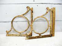 Vintage Iron Shelf Brackets - Large - Architectural Salvage - Factory Mill - Heavy Duty Iron - idugitup