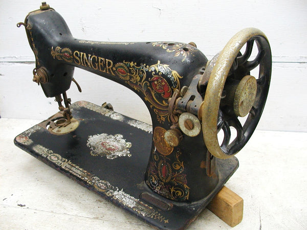Antique Cast Iron Sewing Machine - Garden Art For Your Cottage or Potting Shed - idugitup