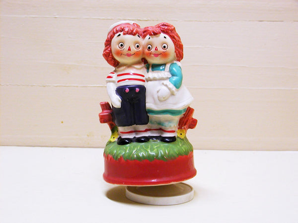 Vintage Porcelain Raggedy Ann and Andy Music Box - idugitup